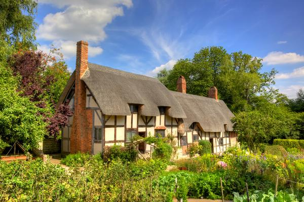 Thatched cottage - Ann Hathaway's Cottage