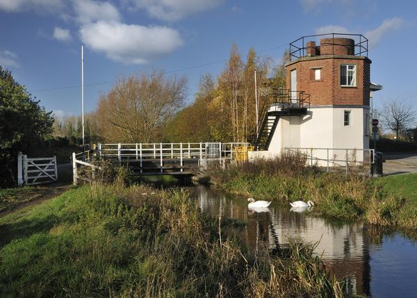 Bond Mill Lift Bridge on the Stroudwater Navigation Canal