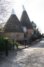 Oast Conversions in the centre of Wateringbury © James Apps