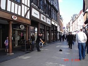 Winchester High St © A. M. Taylor