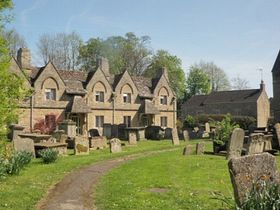Alms Houses by St. Mary's Church © Bella