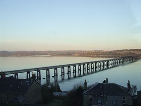 River Tay and rail bridge viewed from Wormit © John McBeath